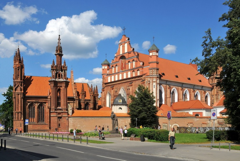 'Church_of_St.Anne_and_St._Bernardine'_Vilnius