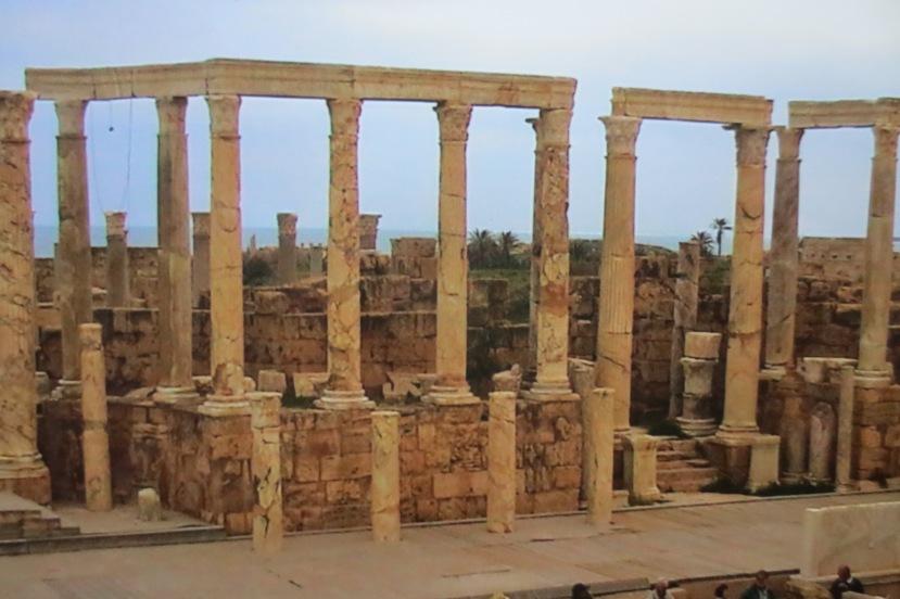 Amphitheater in Leptis Magna © Wolfgang Stoephasius