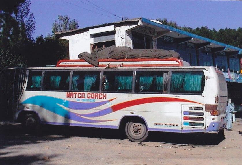 Mit dem Bus durch das Erdbebengebiet © Wolfgang Stoephasius