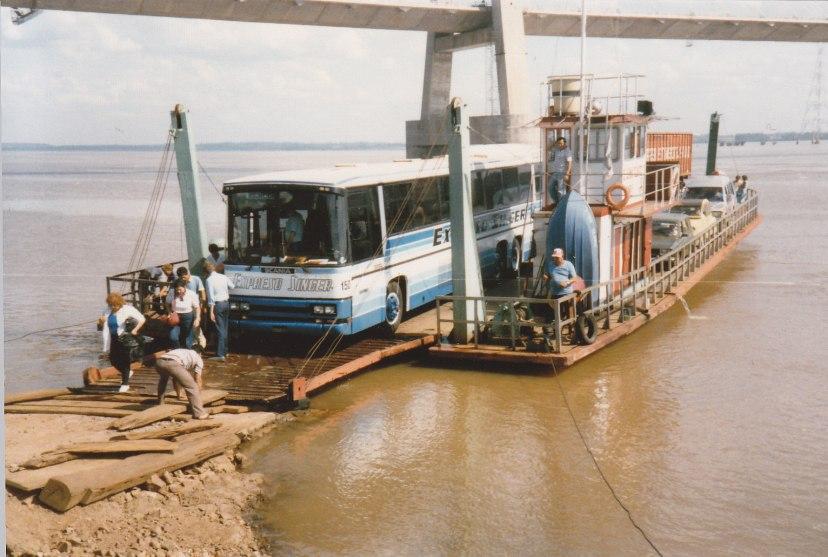 ParaguayFähre über den Río Paraná