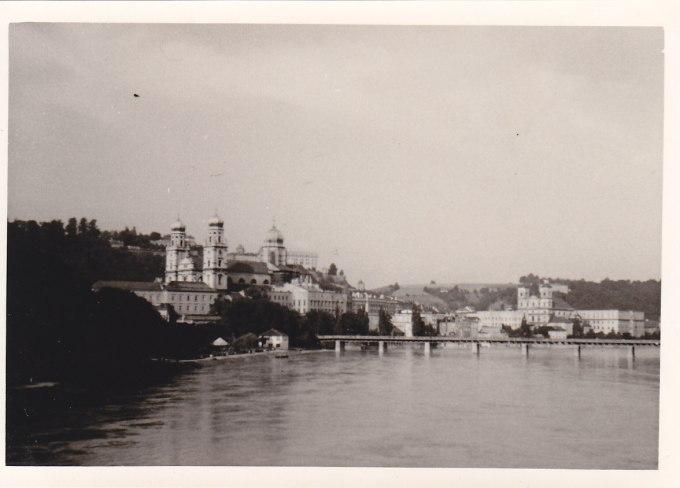 Passau 1954, auf der anderen Seite des Inn ist Österreich © Wolfgang Stoephasius