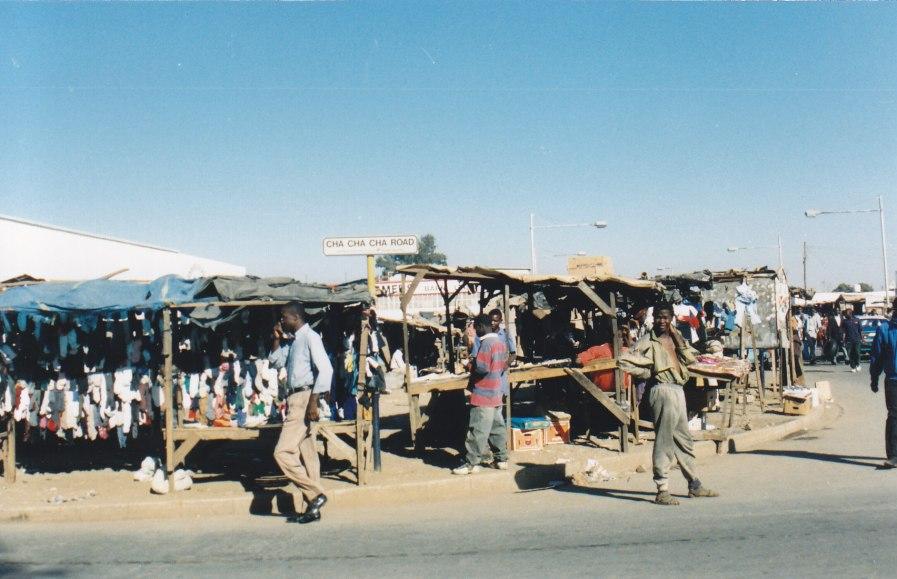 In der Landeshauptstadt Lusaka, mehr oder weniger ein großes Dorf, kommen wir wieder für kurze Zeit in die sZivilisation.