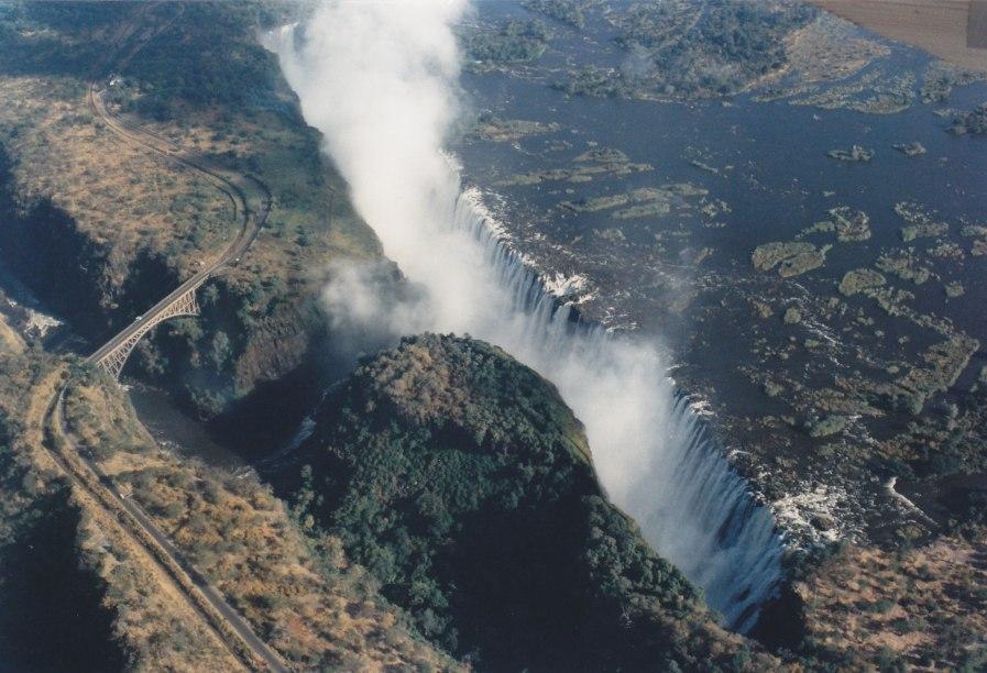 Victoria Falls © Wolfgang Stoephasius