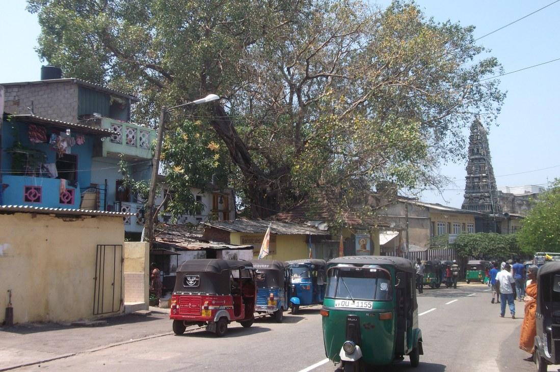 Straßenszene in Colombo © Wolfgang Stoephasius