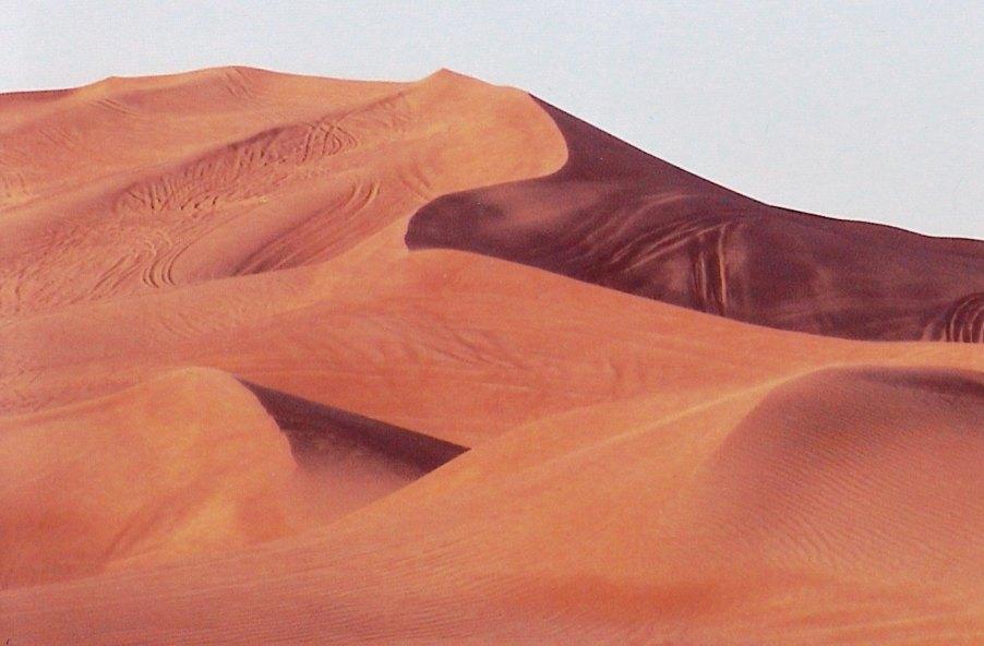 Dünenlandschaft bei Tawi-al Hibab © Wolfgang Stoephasius
