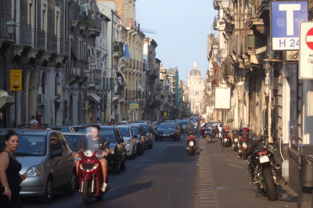 Die Straßen von Catania © Wolfgang Stoephasius