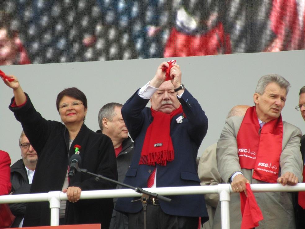 Bürgermeister Michael Häupl begrüßte die einzelnen Delegationen.