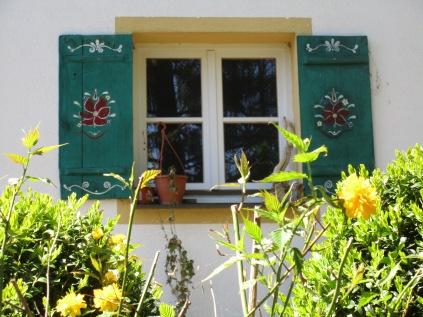 Fenster in Großhelfendorf © Wolfgang Stoephasius